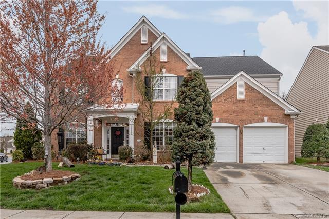 10803 Fountaingrove Drive, Charlotte, NC 28262 (#3372047) :: LePage Johnson Realty Group, LLC