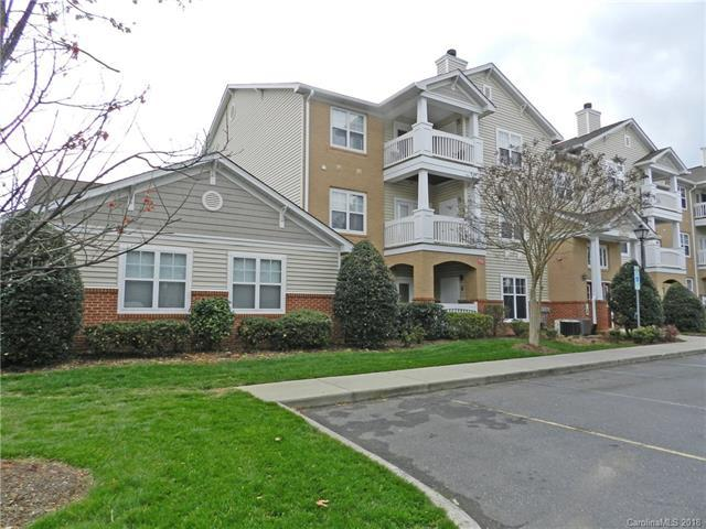 11825 Ridgeway Park Drive, Charlotte, NC 28277 (#3372251) :: The Elite Group