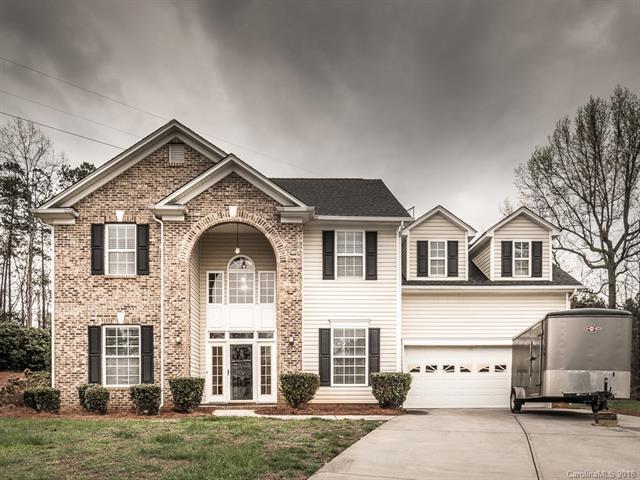 2412 Windsor Chase Drive, Matthews, NC 28105 (#3372315) :: Puma & Associates Realty Inc.