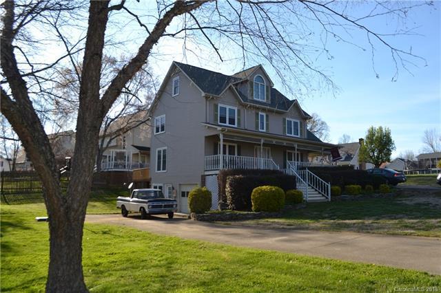 501 New Castle Court NE, Concord, NC 28025 (#3372420) :: LePage Johnson Realty Group, LLC