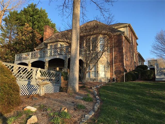 412 SE Woodridge Drive SE, Lenoir, NC 28645 (#3372867) :: LePage Johnson Realty Group, LLC