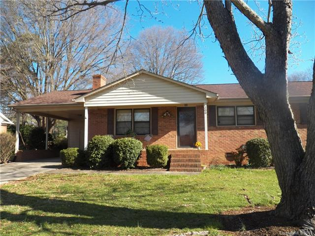 200 Crestview Drive, Lincolnton, NC 28092 (#3373010) :: Exit Mountain Realty
