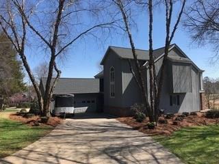 4732 Fairway Court NE, Hickory, NC 28601 (#3373123) :: Mossy Oak Properties Land and Luxury