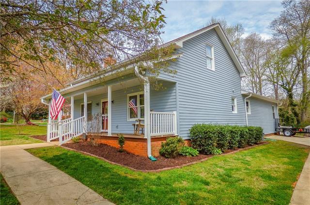 2105 22ND Avenue NE, Hickory, NC 28601 (#3374294) :: LePage Johnson Realty Group, LLC
