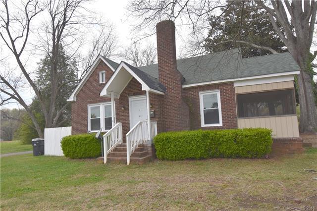 5901 Hewitt Drive, Charlotte, NC 28269 (#3374341) :: High Performance Real Estate Advisors