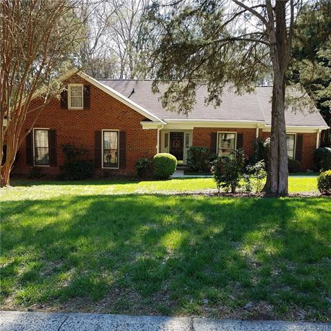 9524 Deer Spring Lane, Charlotte, NC 28210 (#3374878) :: Scarlett Real Estate