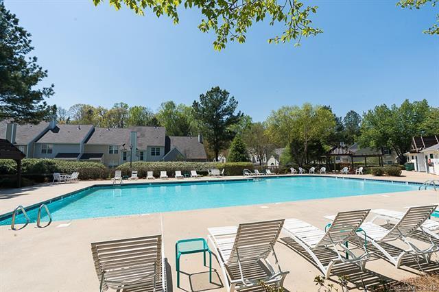 5705 Cougar Lane, Charlotte, NC 28269 (#3375027) :: High Performance Real Estate Advisors