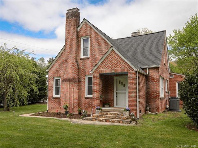 20 N Hillside Road, Hendersonville, NC 28791 (#3375159) :: High Performance Real Estate Advisors