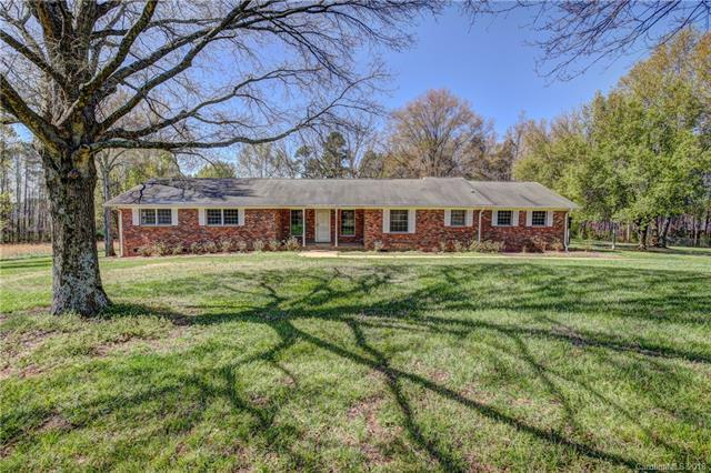 6419 Pleasant Grove Road, Charlotte, NC 28216 (#3375748) :: Odell Realty Group
