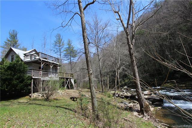 1008 Hardison Falls Trail, Bat Cave, NC 28792 (#3376274) :: RE/MAX Four Seasons Realty