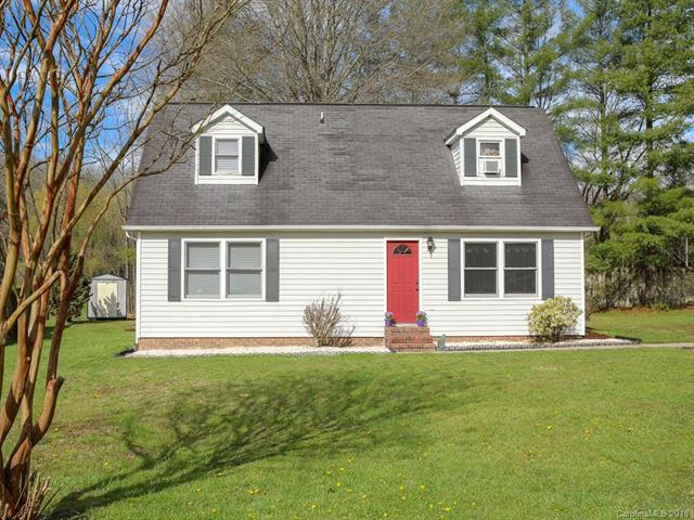 8 Meadow Drive, Horse Shoe, NC 28742 (#3376367) :: LePage Johnson Realty Group, LLC