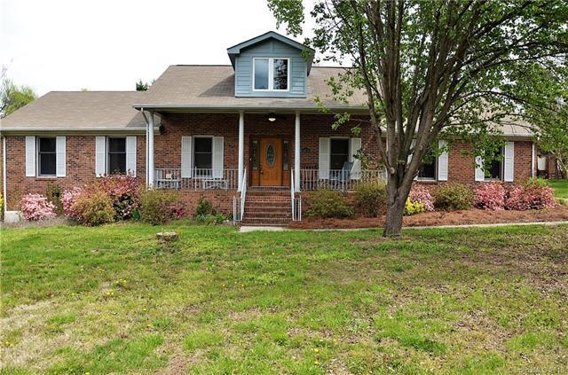 6416 Dougherty Drive, Charlotte, NC 28213 (#3377457) :: LePage Johnson Realty Group, LLC
