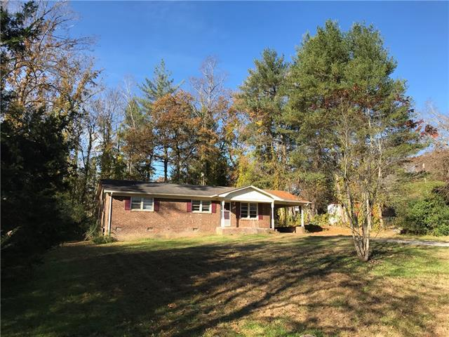 1424 Oak Hill Drive, Morganton, NC 28655 (#3377526) :: LePage Johnson Realty Group, LLC