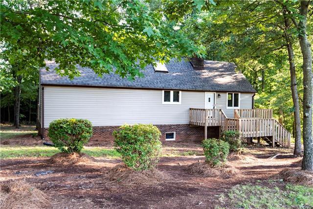 115 Castle Creek Road, Statesville, NC 28625 (#3378141) :: Mossy Oak Properties Land and Luxury