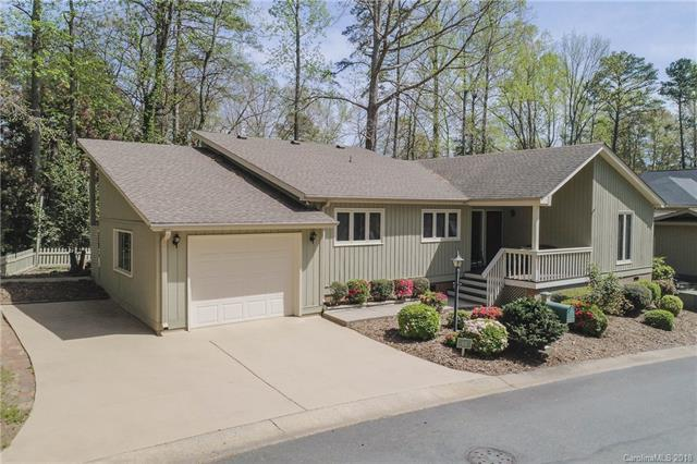 12 Old Stage Trail #12, Lake Wylie, SC 29710 (#3378300) :: LePage Johnson Realty Group, LLC