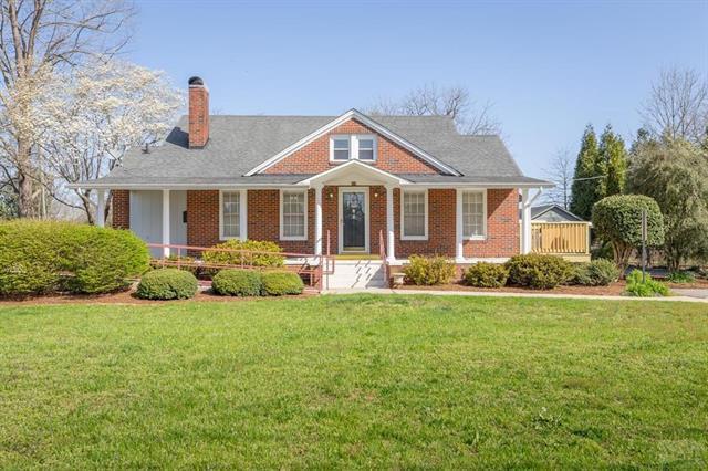 208 Carbon City Road, Morganton, NC 28655 (#3378600) :: Mossy Oak Properties Land and Luxury