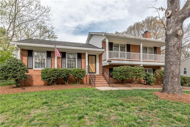7524 Lancer Drive, Charlotte, NC 28226 (#3378695) :: Robert Greene Real Estate, Inc.