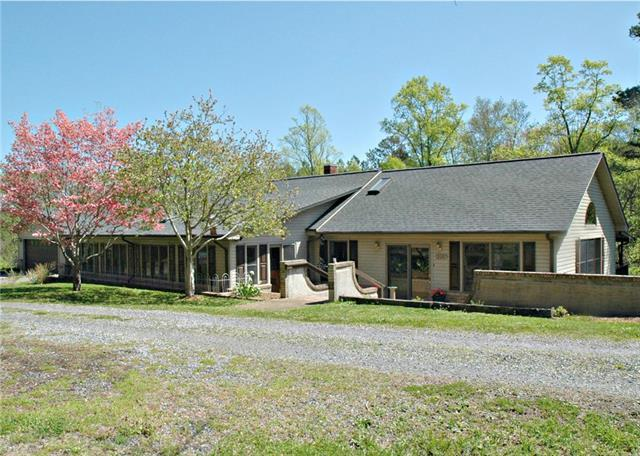 2695 Us 70 Highway, Connelly Springs, NC 28612 (#3379381) :: Besecker Homes Team