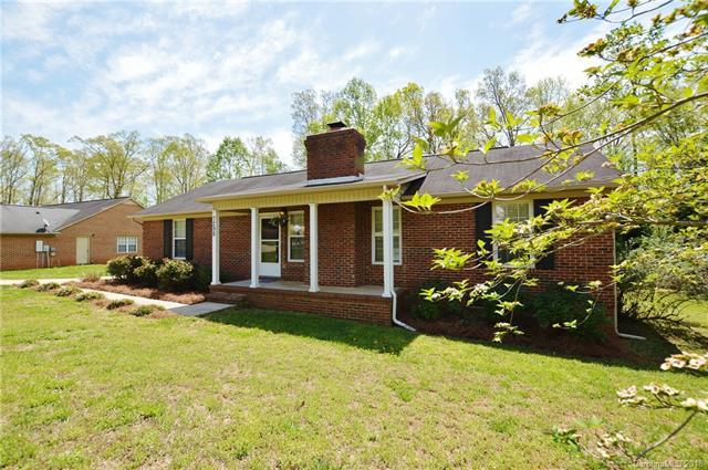 7298 Hagers Hollow Drive, Denver, NC 28037 (#3380412) :: Scarlett Real Estate