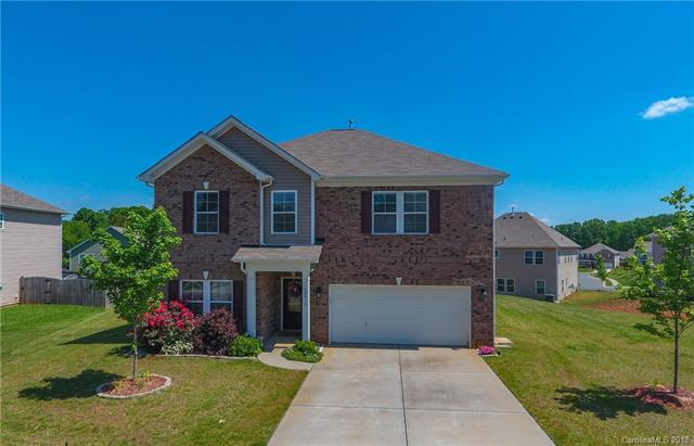 10915 Tower Oak Drive, Charlotte, NC 28269 (#3380438) :: Miller Realty Group