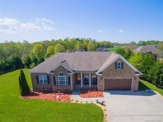 985 Clear Creek Circle, Lincolnton, NC 28092 (#3380666) :: Rinehart Realty