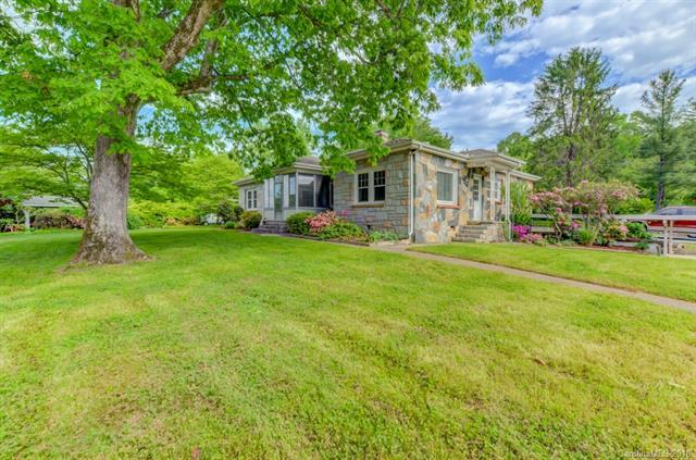 2000 Haywood Road, Hendersonville, NC 28791 (#3381043) :: Caulder Realty and Land Co.