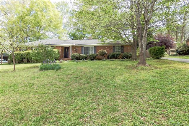 3617 Dandridge Circle, Matthews, NC 28105 (#3381238) :: LePage Johnson Realty Group, LLC