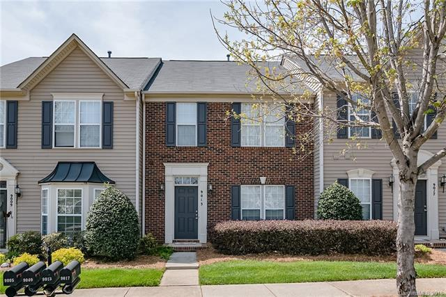 9013 Cool Meadow Drive, Huntersville, NC 28078 (#3381338) :: Team Lodestone at Keller Williams SouthPark