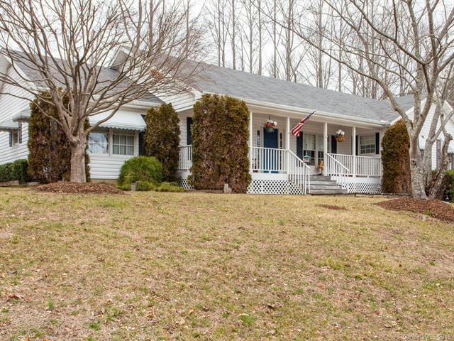 67 Chestnut Lane, Hendersonville, NC 28792 (#3381417) :: Rinehart Realty