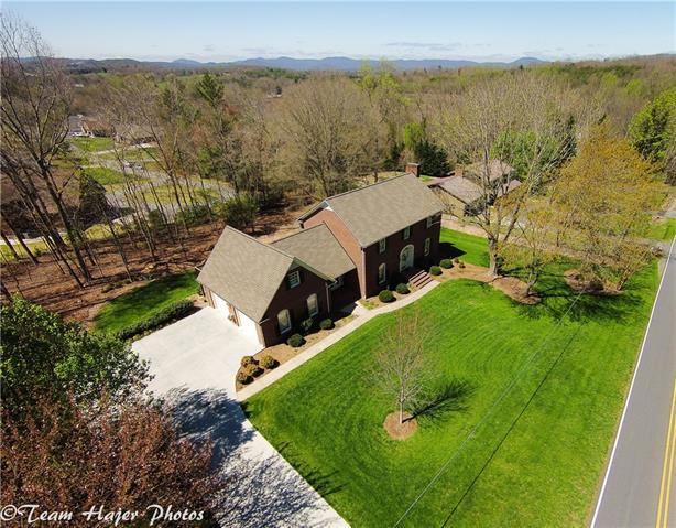 250 Golf Course Lane, Taylorsville, NC 28681 (#3381726) :: The Ann Rudd Group