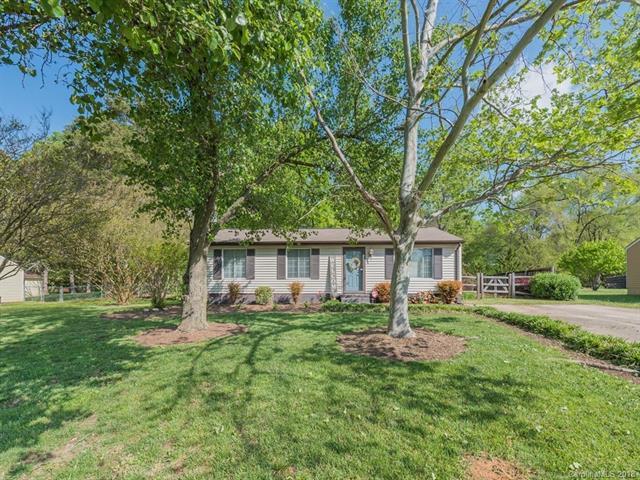 11621 Antebellum Drive, Charlotte, NC 28273 (#3381928) :: Charlotte Home Experts