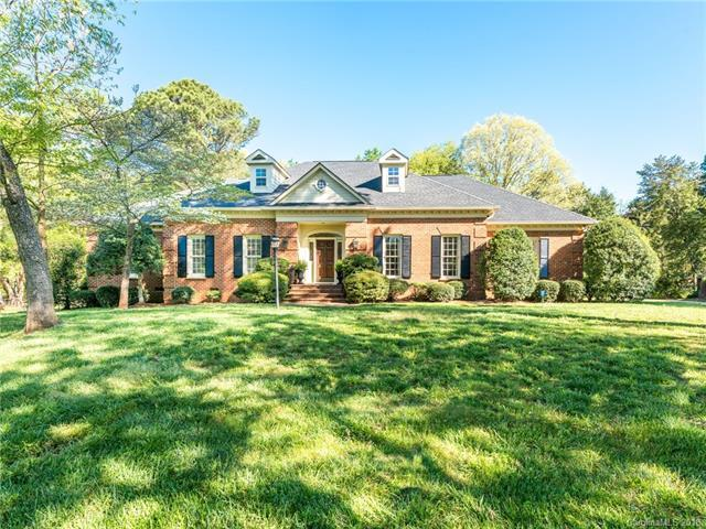 6800 N Baltusrol Lane, Charlotte, NC 28210 (#3381983) :: Charlotte Home Experts