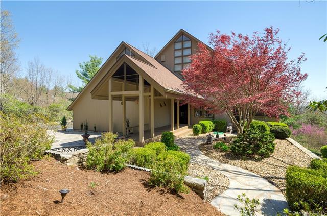 136 Ridge Lane, Flat Rock, NC 28731 (#3382148) :: Puma & Associates Realty Inc.