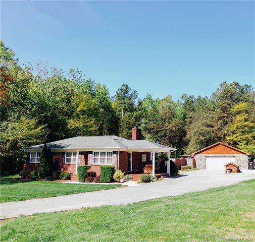 3053 Asbury Church Road, Lincolnton, NC 28092 (#3382285) :: The Andy Bovender Team