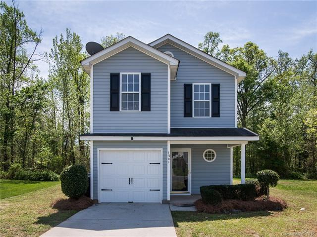 1341 Crandon Drive, Charlotte, NC 28216 (#3382402) :: Besecker Homes Team