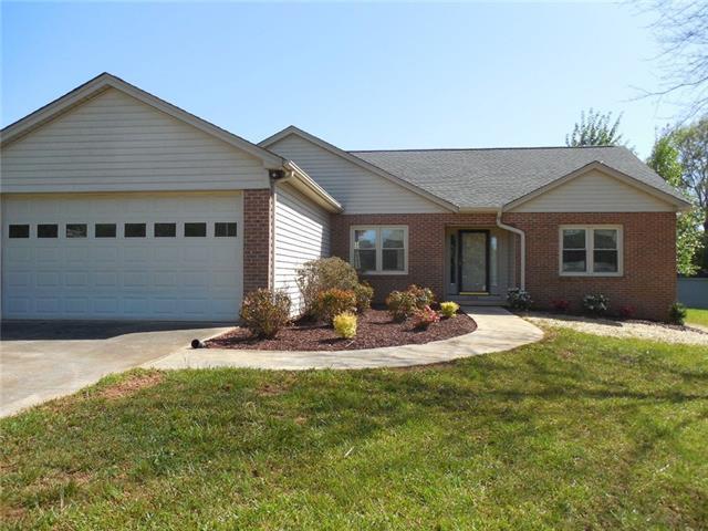 2328 21st Avenue NE, Hickory, NC 28601 (#3382462) :: High Performance Real Estate Advisors