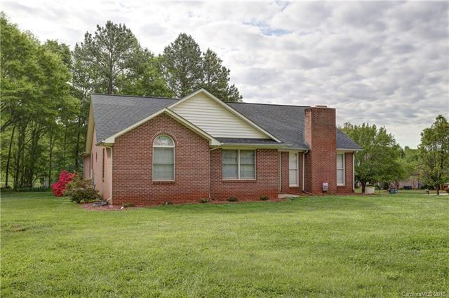 1924 Chesterfield Drive, Belmont, NC 28012 (#3382700) :: Team Southline