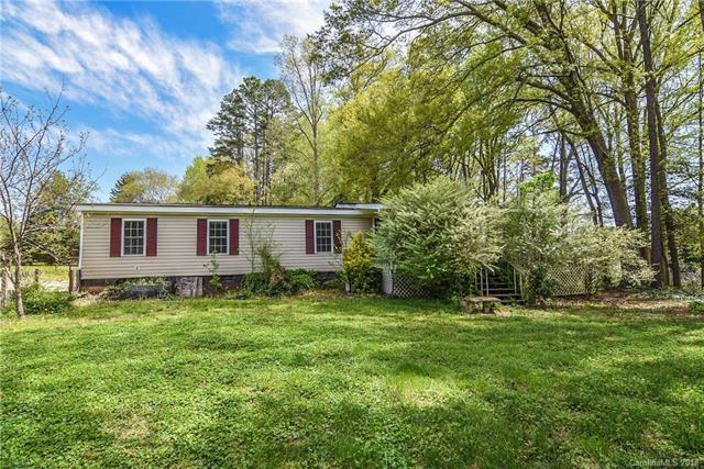 307 Rutledge Road, Mount Holly, NC 28120 (#3382762) :: Homes Charlotte