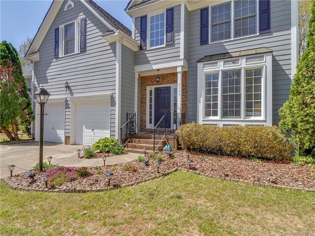 2009 Sablewood Drive, Charlotte, NC 28205 (#3382796) :: Homes Charlotte