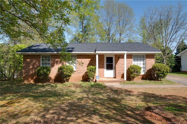 1125 Milan Road, Charlotte, NC 28216 (#3382797) :: The Elite Group