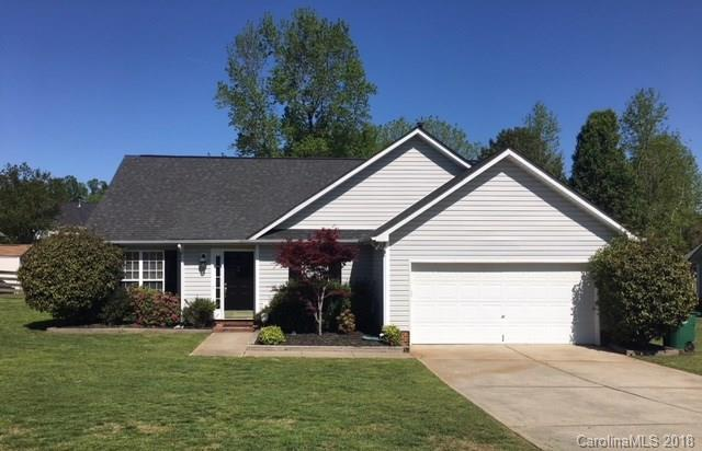 8105 Castlemaine Drive, Matthews, NC 28104 (#3382886) :: David Hoffman Group