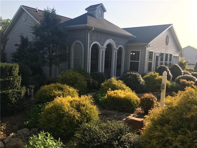 4032 Meadow Circle, Lenoir, NC 28645 (#3382910) :: High Performance Real Estate Advisors
