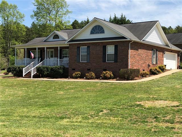 8298 Cedar Bark Street, Hickory, NC 28602 (#3383159) :: RE/MAX Metrolina