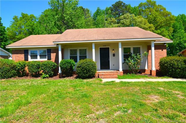 1406 Echo Glen Road, Charlotte, NC 28213 (#3383183) :: Burton Real Estate Group