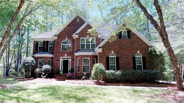 8033 Lake Providence Drive, Matthews, NC 28104 (#3383230) :: The Ramsey Group