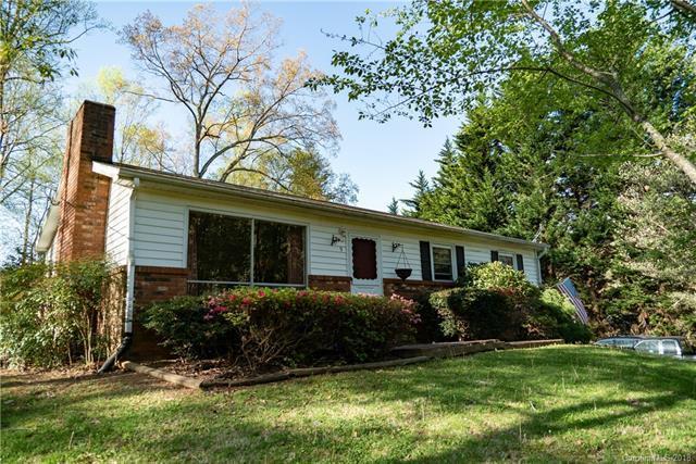 9 Liberty Circle, Candler, NC 28715 (#3383397) :: Robert Greene Real Estate, Inc.