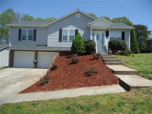 828 Courtyard Drive #4, Newton, NC 28658 (#3383589) :: Robert Greene Real Estate, Inc.
