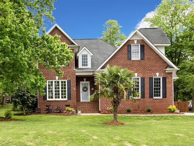 2605 Carmarthen Court, Matthews, NC 28104 (#3383854) :: Leigh Brown and Associates with RE/MAX Executive Realty