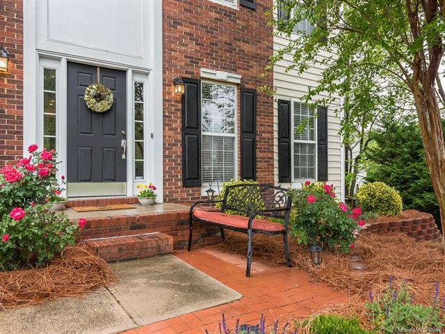 6514 Bells Mill Drive, Charlotte, NC 28269 (#3384053) :: The Ramsey Group
