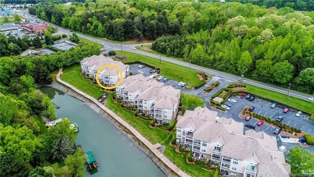 108 Pier 33 Drive #403, Mooresville, NC 28117 (#3384141) :: LePage Johnson Realty Group, LLC